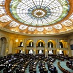 """Președintele Iohannis ar trebui să retrimită în parlament noua lege """"Big brother"""""""